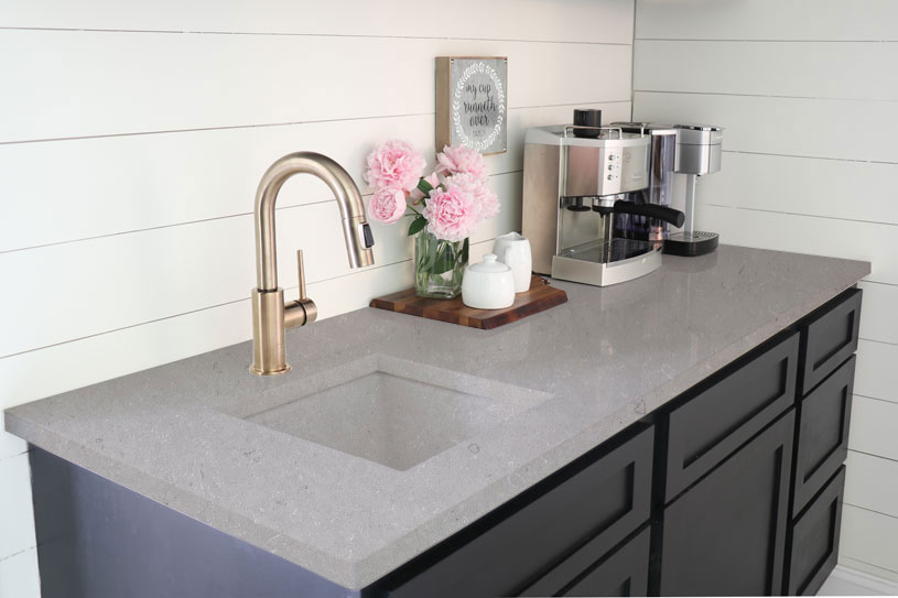 AQ502-Moca-Grey-A-Quartz-Countertops-2
